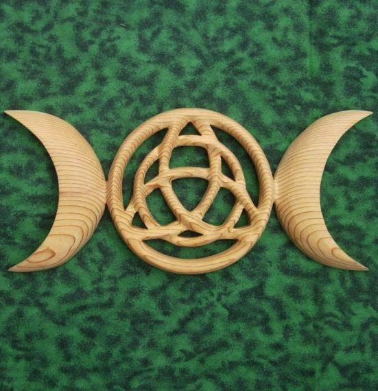 Triple Moon Goddess Triquetra Celtic Pagan Symbol Wiccan Protection