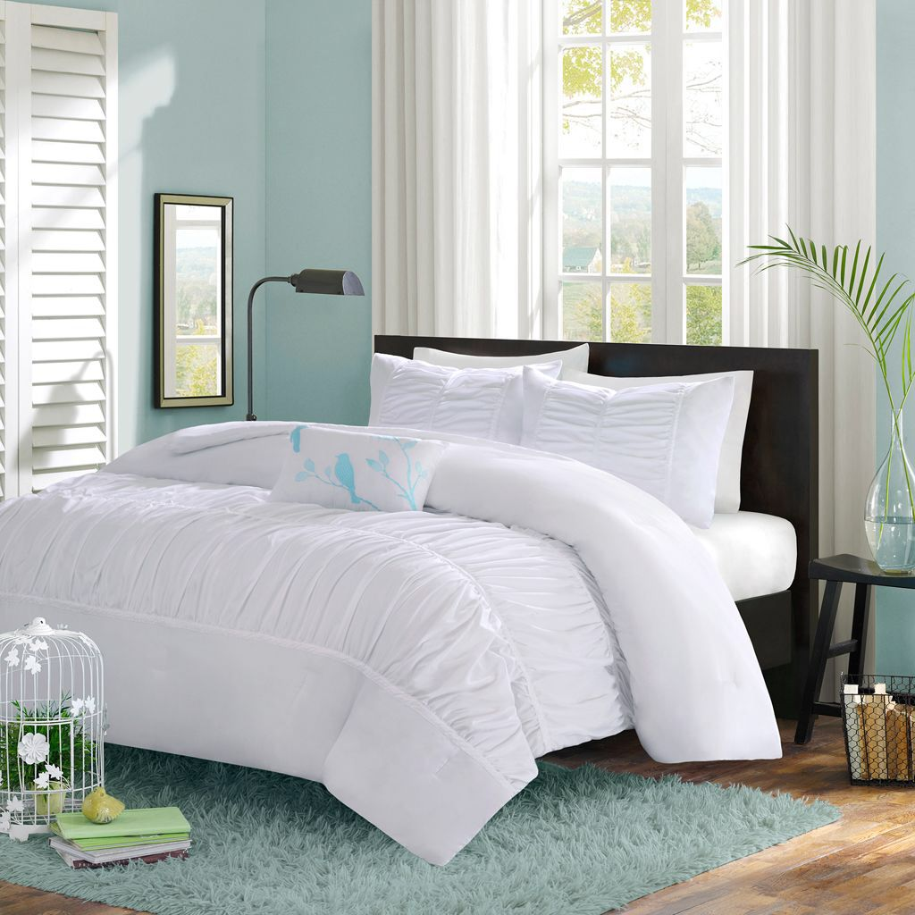 Gi Comforter Set in White