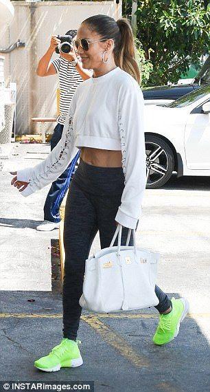 How to shop like Khloe Kardashian without breaking the bank ... e68507e44
