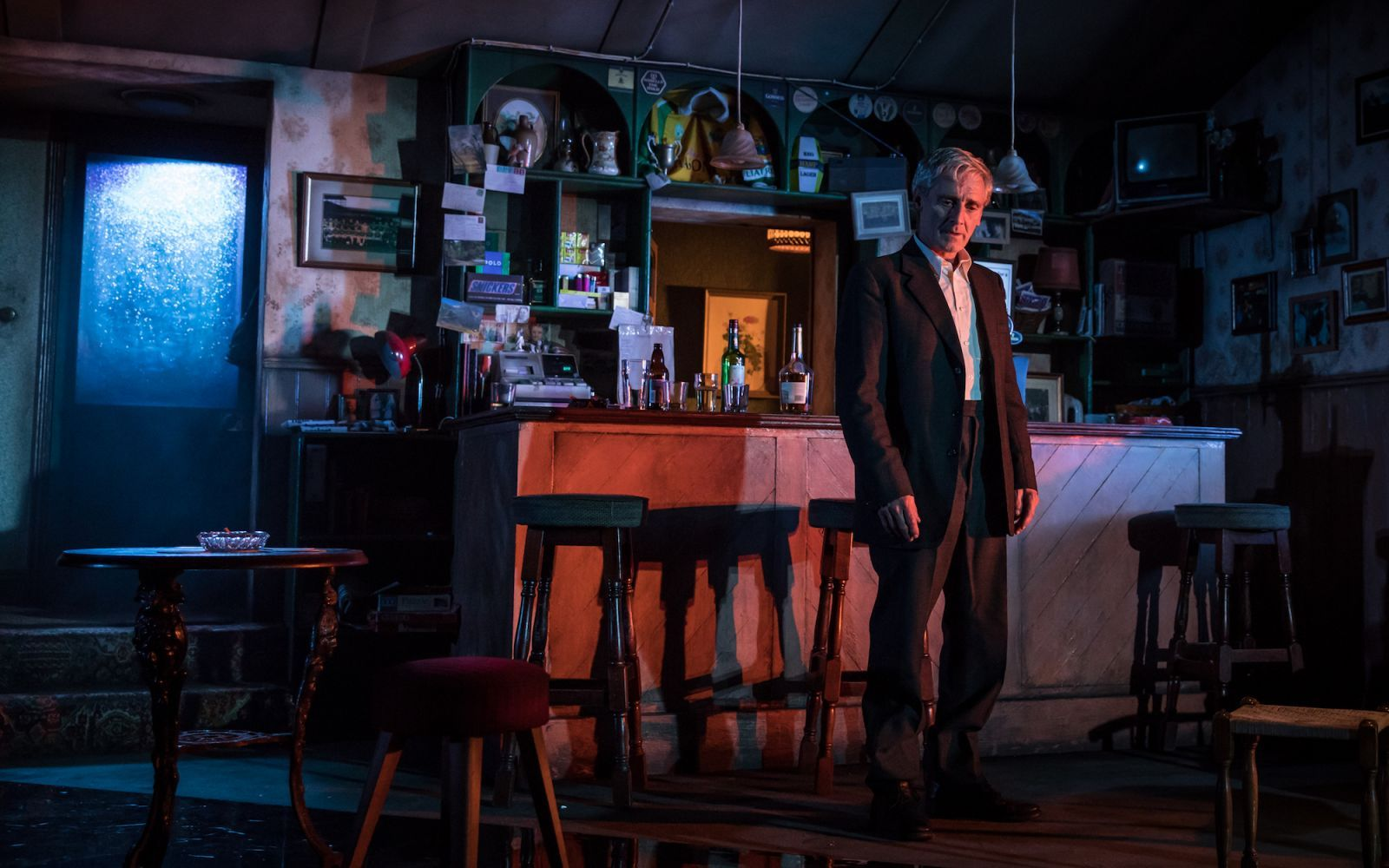 The Weir, English Touring Theatre, 2017. Dir: Adele Thomas, Set: Madeleine Girling, LD: Lee Curran