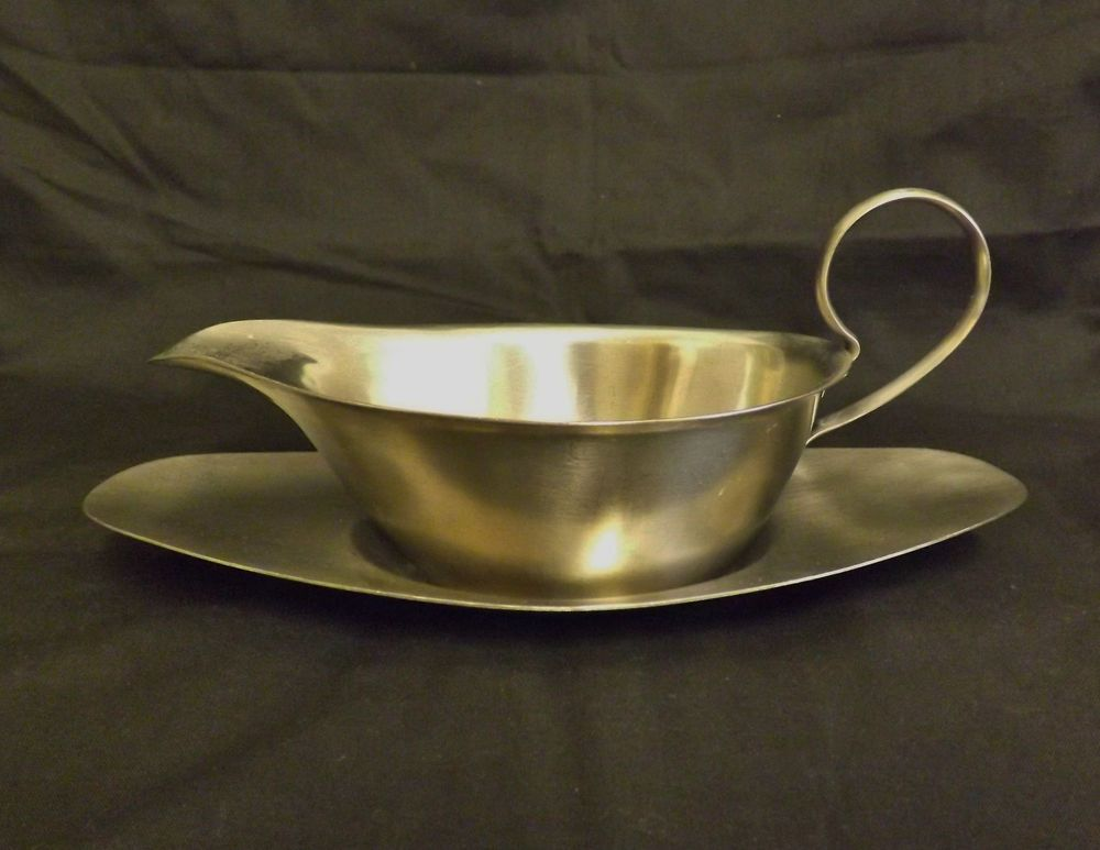 vintage old hall stainless steel 0.5 pint gravy boat with tray