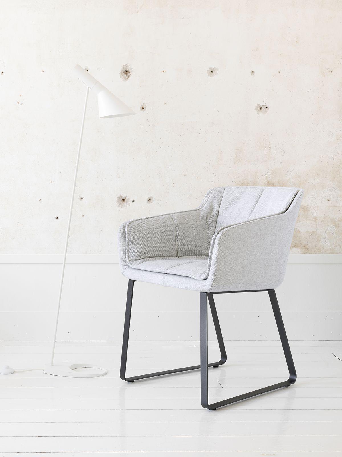 Cambria Chair Qliv