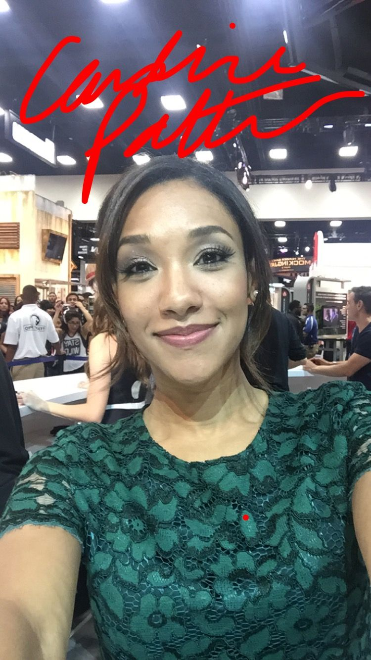Selfie Candice Patton