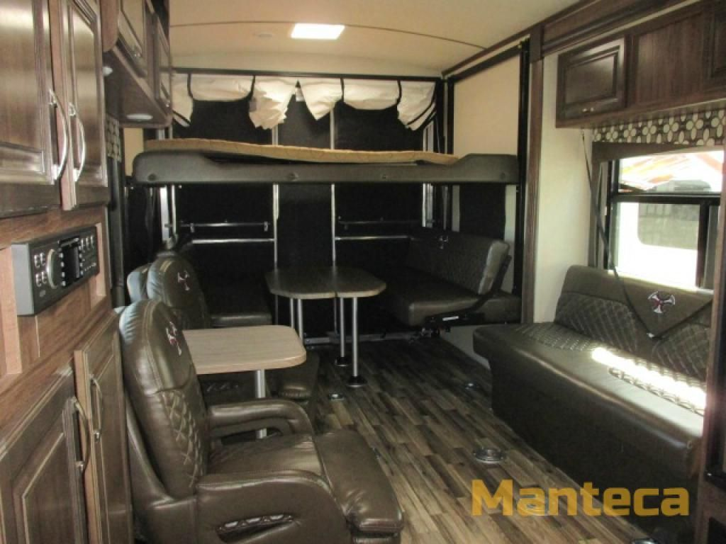 New 2016 Evergreen Rv Amped 29fs Toy Hauler Travel Trailer At