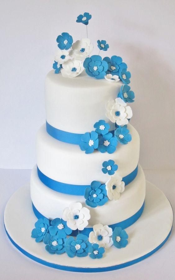 Blue And White Wedding Cake Wth Fondant Flowers Wedding Cake