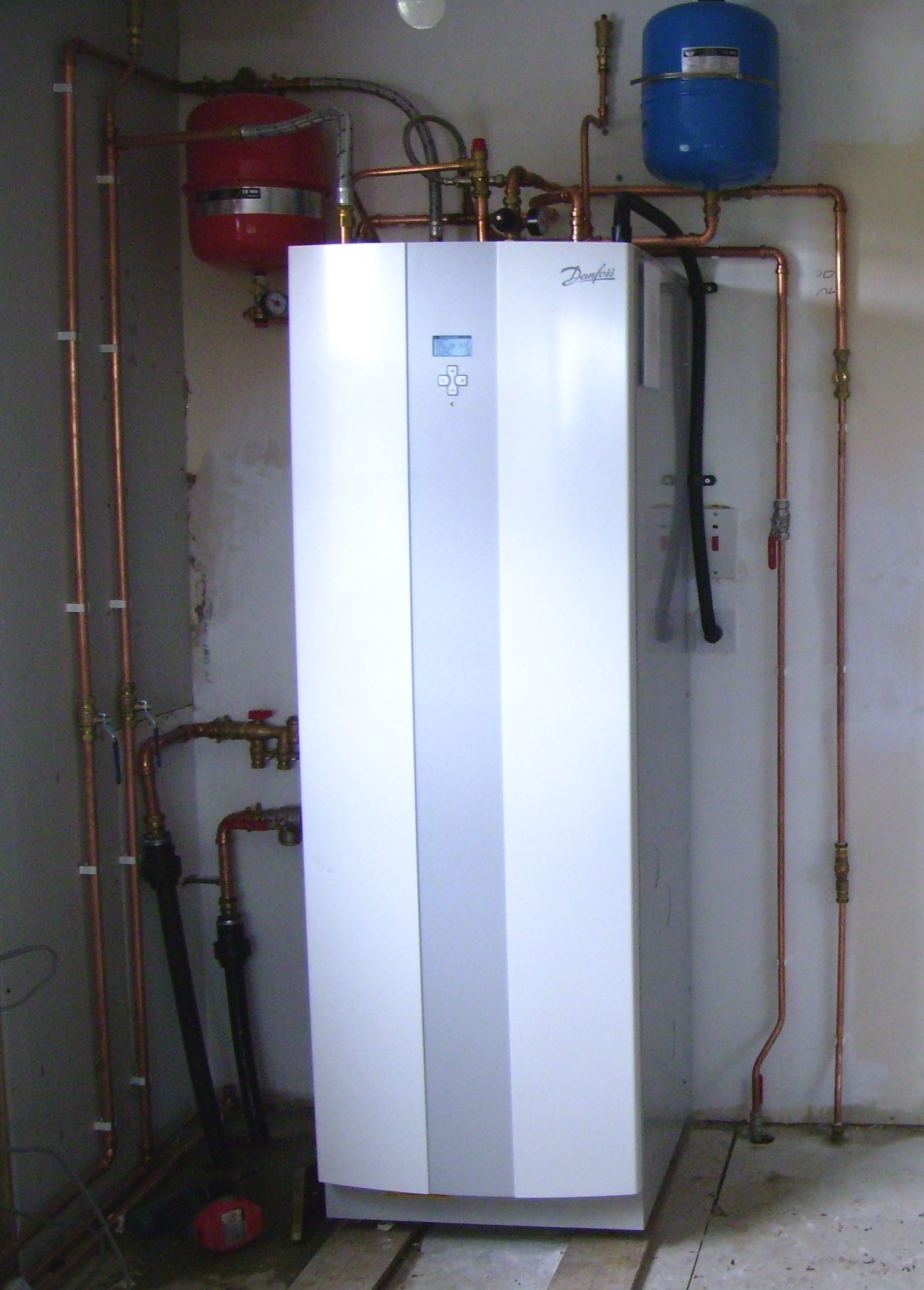 Ground source heat pump building a container home