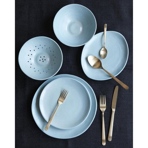 I love the brushed gold flatware, but how great does it look against the baby blue bowls?! Love seeing unexpected pairings.