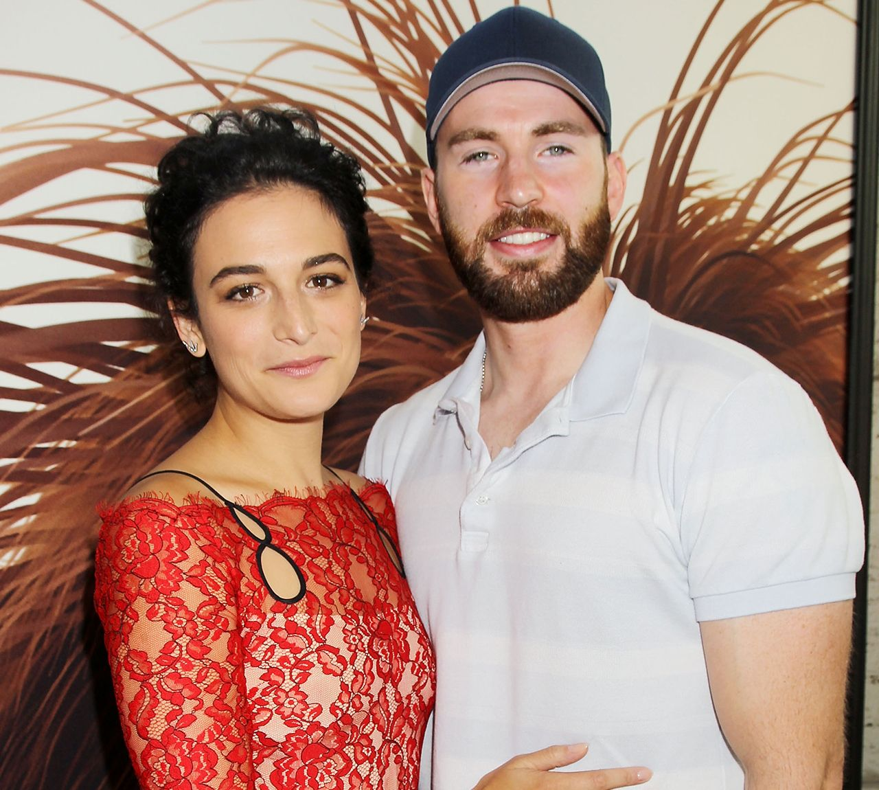Jenny Slate Opens Up About Her Unlikely Romance With Chris Evans #CaptainAmerica, #ChrisEvans, #JennySlate celebrityinsider.org #Hollywood #celebrityinsider #celebrities #celebrity #celebritynews