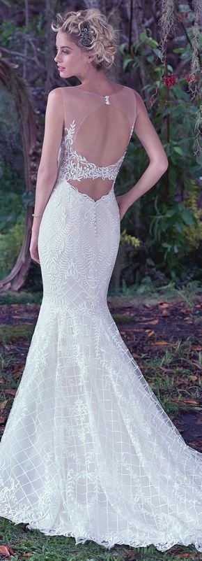 Wedding Dress by Maggie Sottero 2016 Fall/Winter Collection - ANALEIGH | #maggiesottero #maggiebride