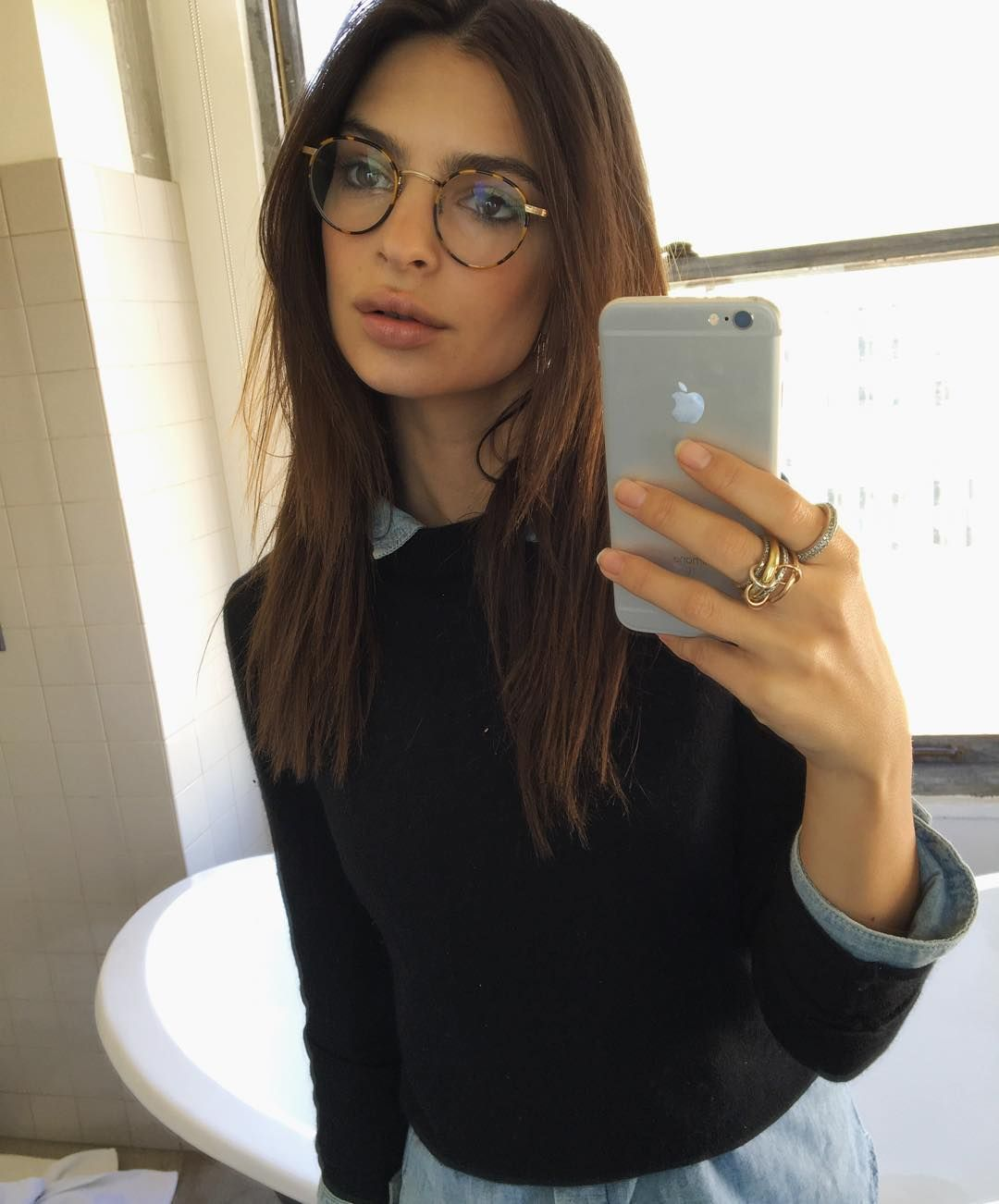 bfd9c922e1 Emily Ratajkowski proves it s chic to be a geek