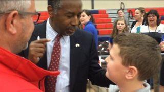 Carson asks schoolchildren to point to dumbest kid in class
