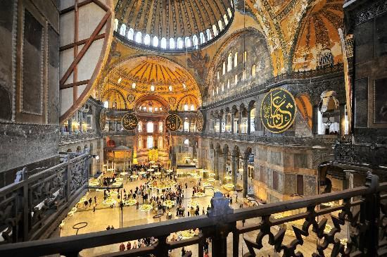 متحف آية صوفيا Hagia Sophia Museum متحف آيا صوفيا هي كاتدرائية ومسجد سابق في وسط اسطنبول و تعد من أبرز Eiffel Tower Inside Eiffel Tower Tower