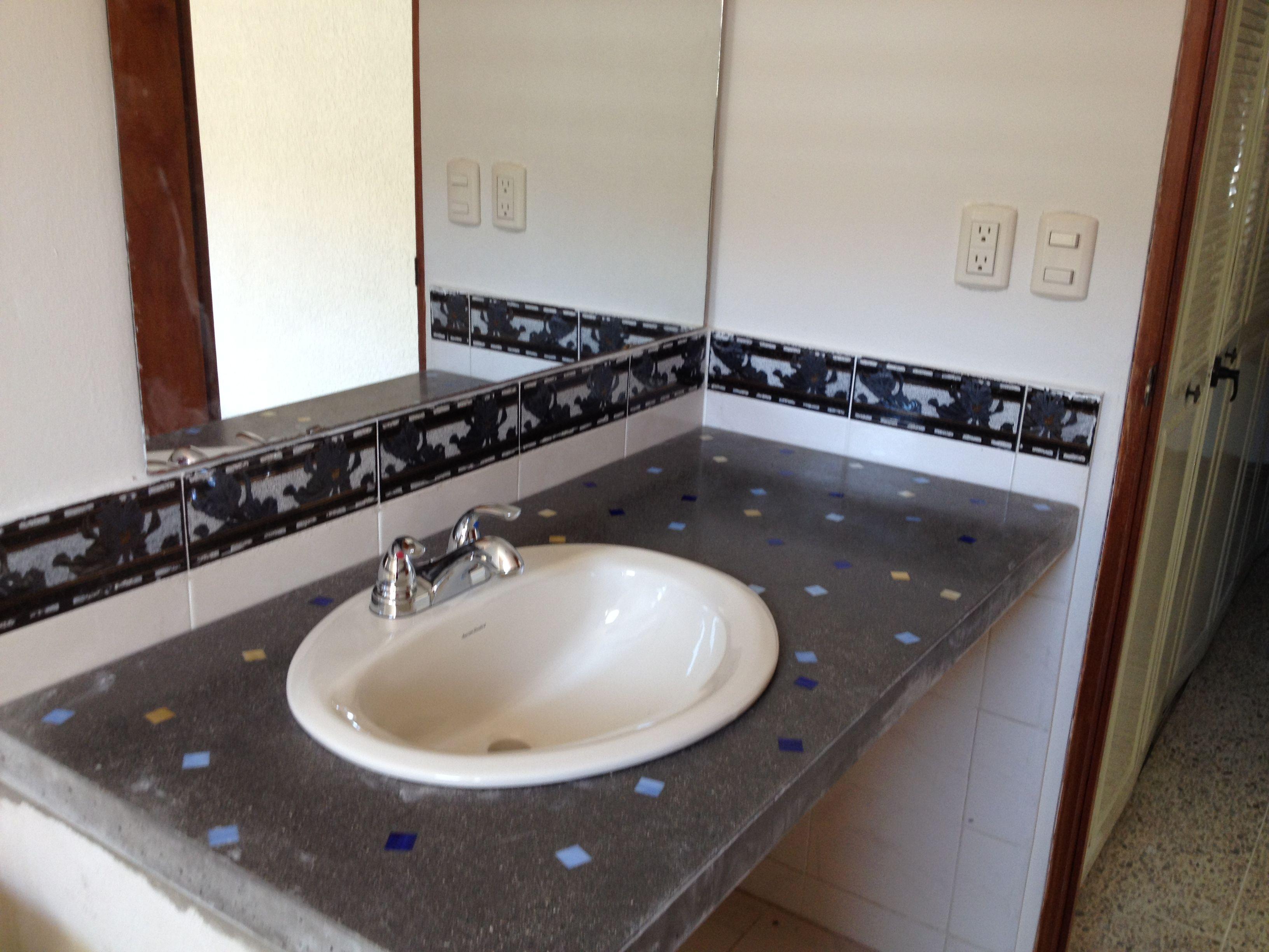 Countertop para lavamanos cubiertas de concreto for Pared de bano de concreto encerado