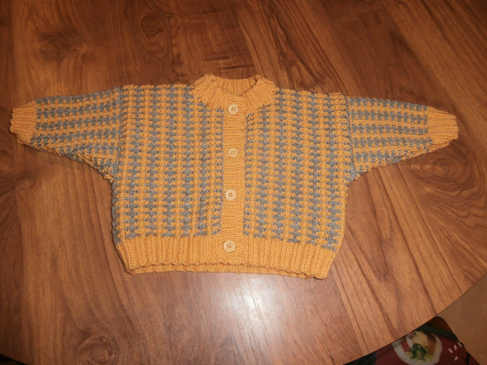 Tuto tricot layette gilet bébé 3 mois expliqué au fur et à mesure du ...