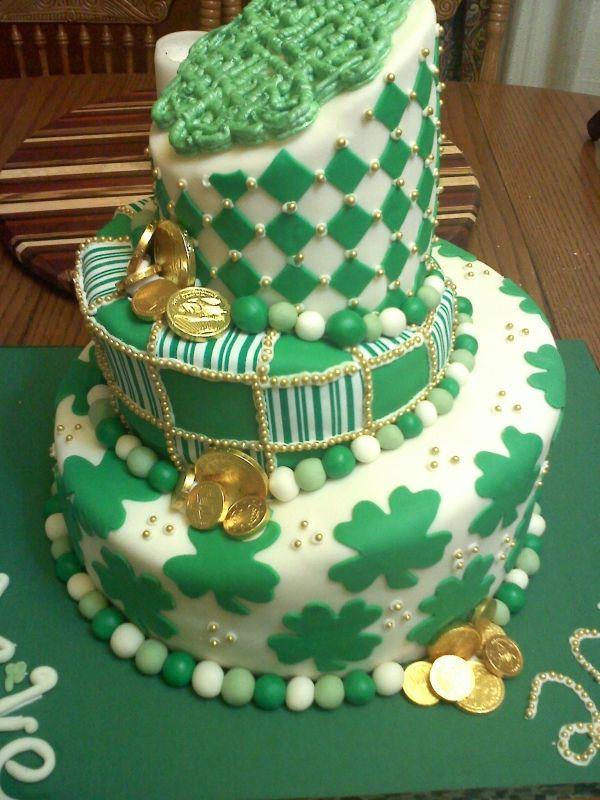 Astounding Irish Themed Graduation With Images St Patricks Day Cakes Funny Birthday Cards Online Necthendildamsfinfo