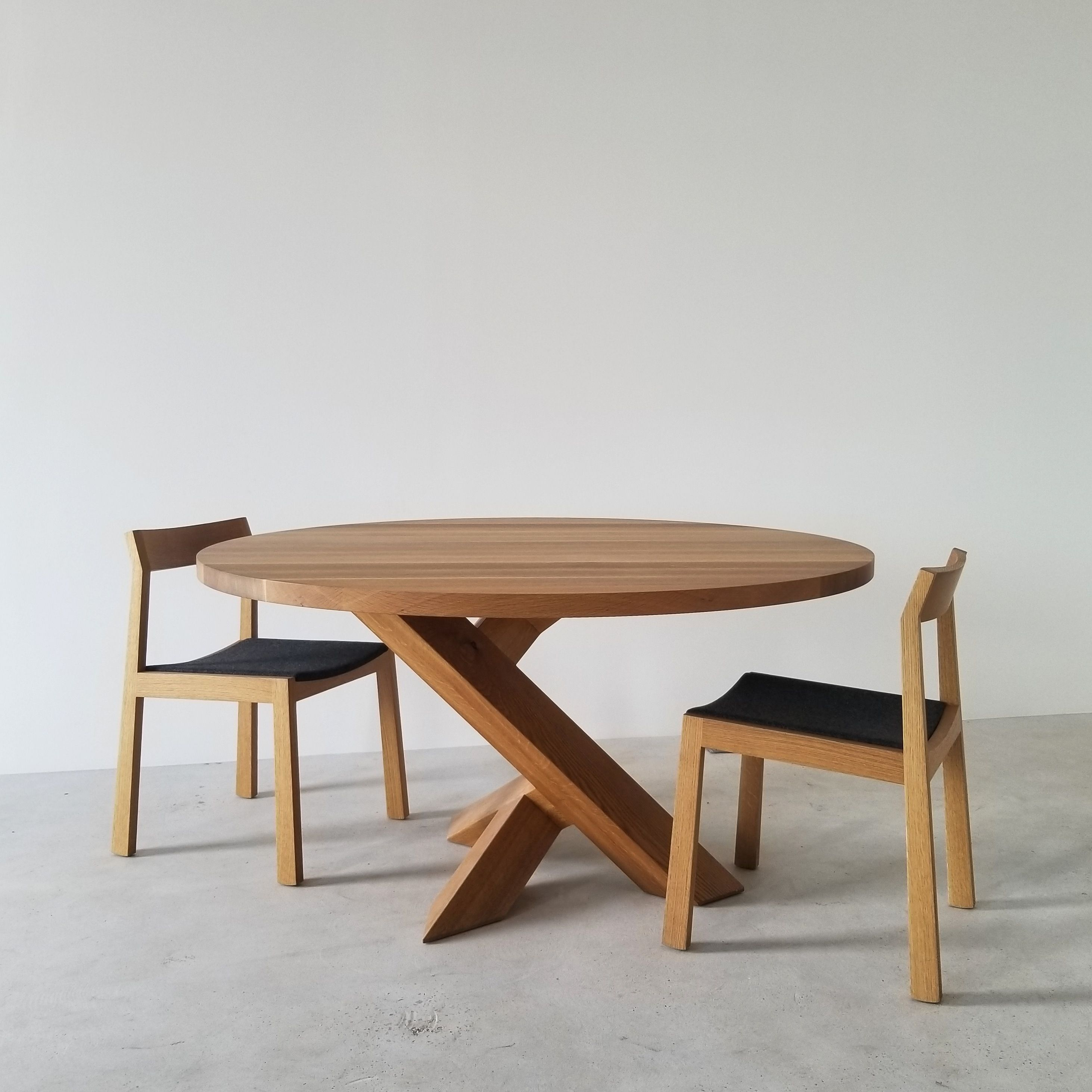 Round Iconoclast With Chairs In White Oak By Izm Izmdesign Www Izm Ca Dining Table Wood Table Design Dining Table Legs [ 2925 x 2925 Pixel ]