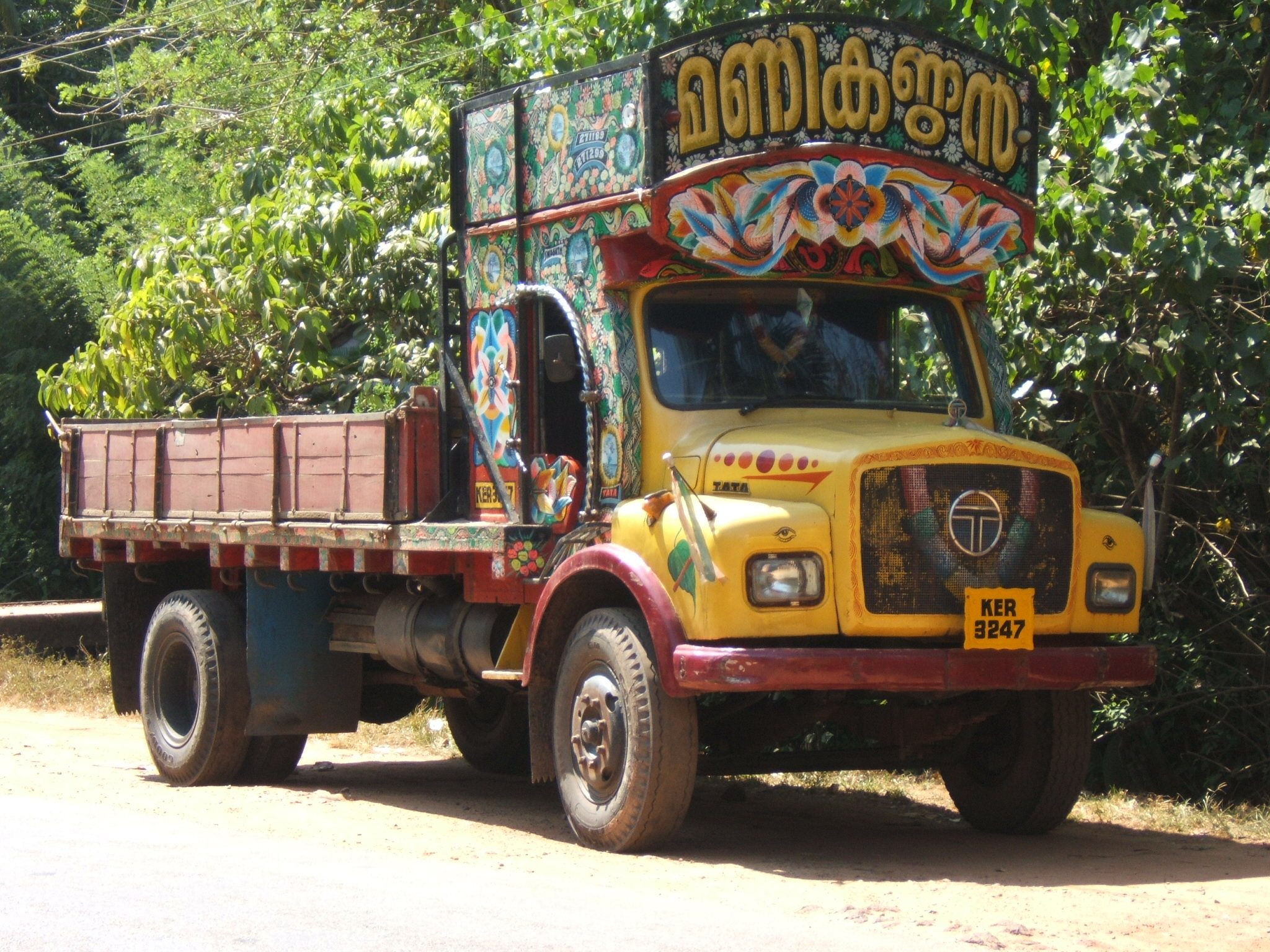 Tata Lorry India With Images Lorry Tata Public Transport