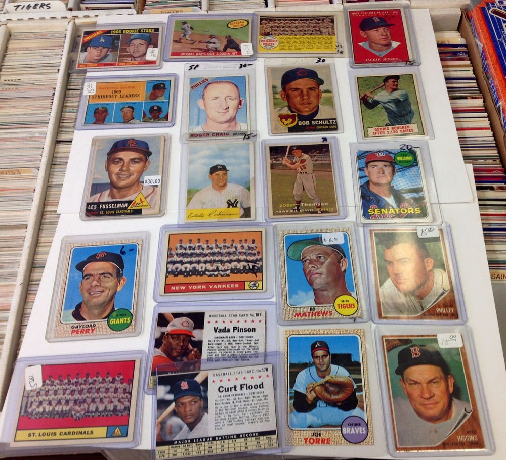 1950s to 1960s vintage baseball card lot w musial