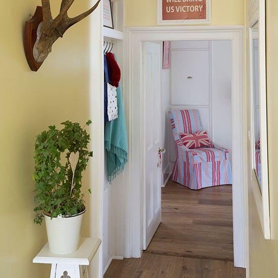 Fantastisch Flur Diele Wohnideen Möbel Dekoration Decoration Living Idea Interiors Home  Corridor Hellgelb Und Weiß Flur
