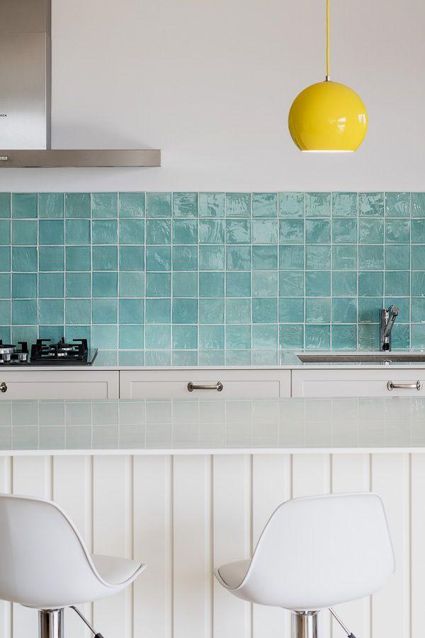 Detalle de una cocina con baldosas azules cocinas for Baldosas para cocina