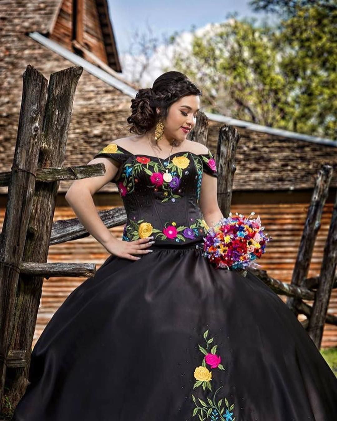 Mexican Themed Quinceanera Quinceanera Al Estilo Mexicano Quince Dresses Mexican Mexican Quinceanera Dresses Black Quinceanera Dresses [ 1350 x 1080 Pixel ]