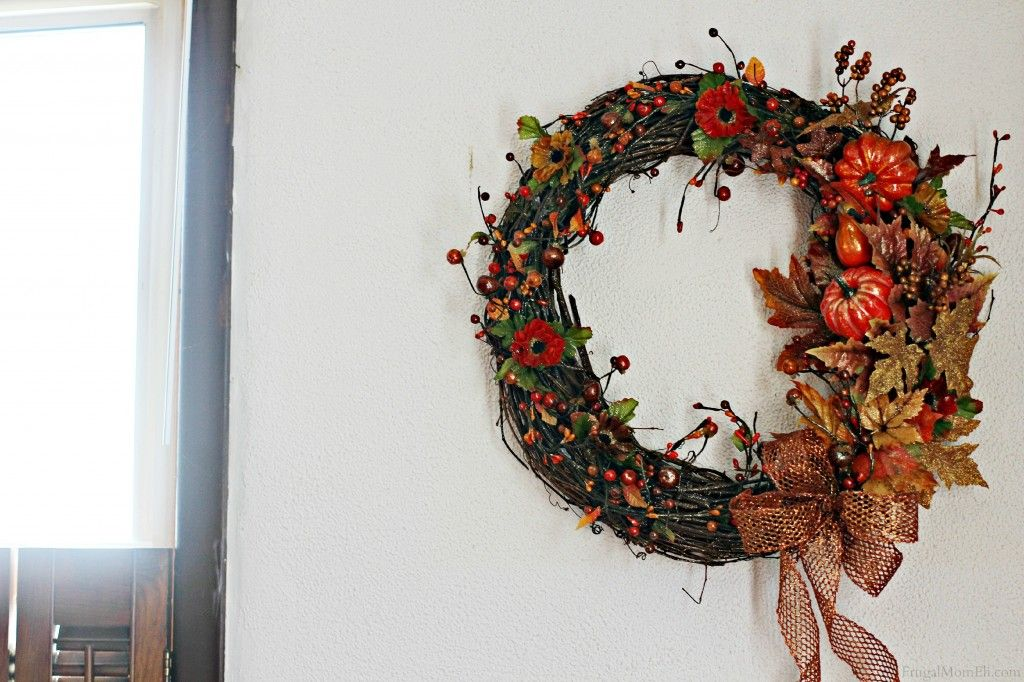 Beautiful DIY Fall Wreath Ideas for your Front Door - Oh So Savvy Mom