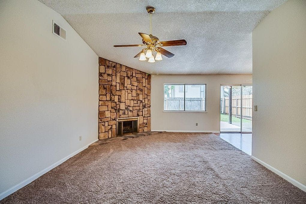 3 Bedroom House With 2 Bathrooms For Rent At 8384 Langtree Way Sacramento Ca 95823 For 1 500 Per Month Renting A House 3 Bedroom House Apartments For Rent