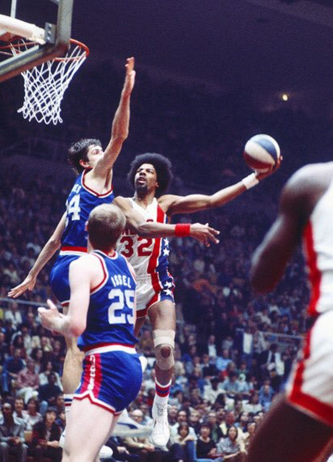 Dr J 1976 Nba Legends Basketball Pictures Basketball Players