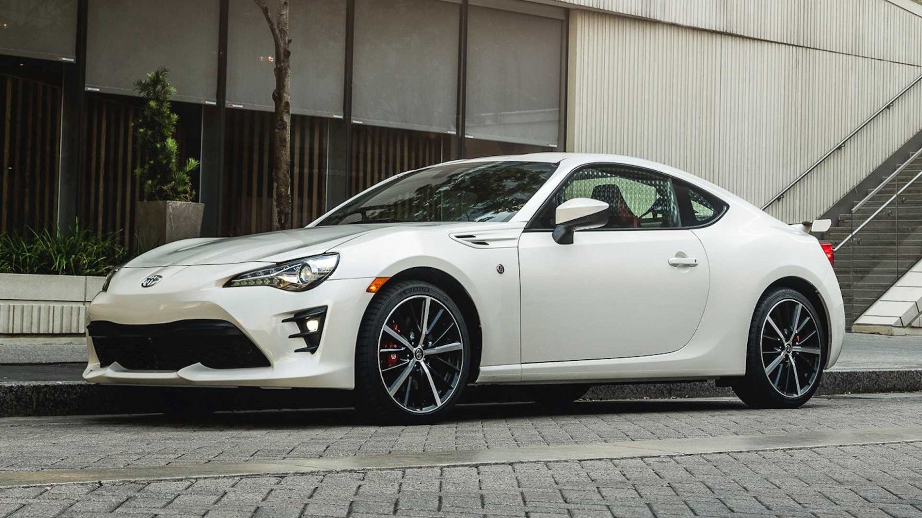 Kekurangan Toyota Gt86 Perbandingan Harga