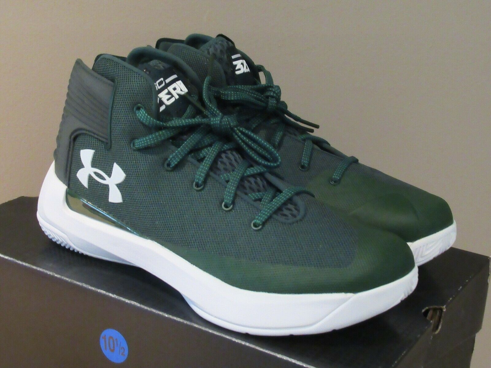 2c19b24b3481 Under Armour Stephen Curry Mens Low Top Basketball Sneakers Shoes Sz 10  Black in 2019