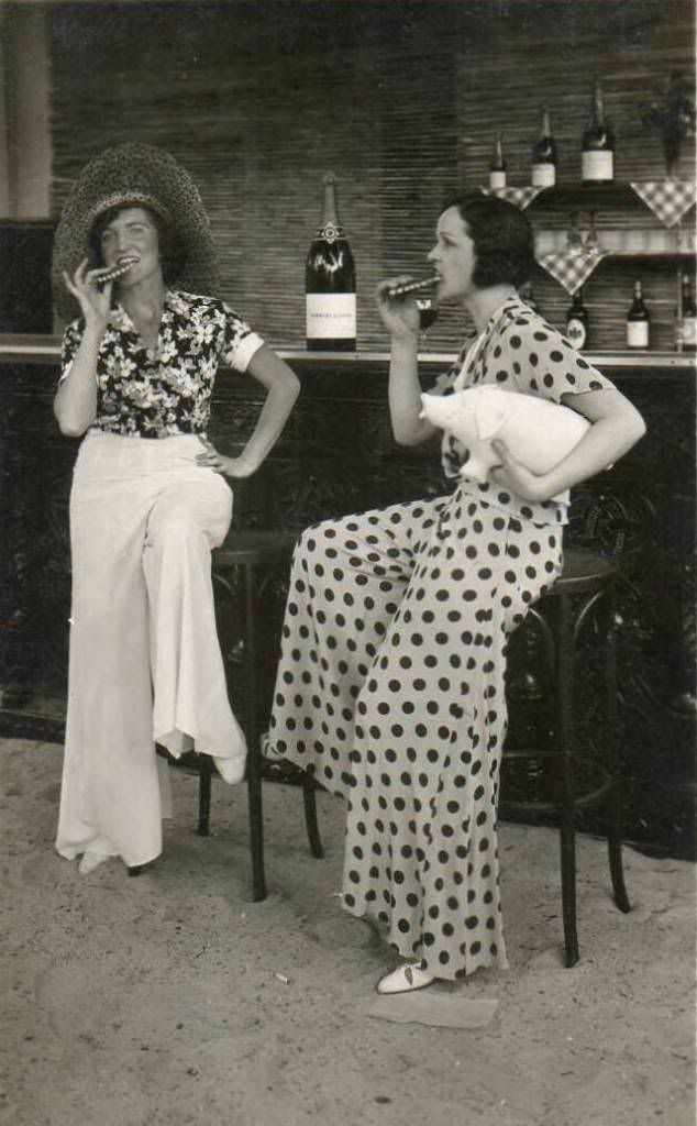 1930S BEACH LOUNGING PYJAMAS  now they call them  palazzo pants . it always  comes back around. I m praying it s 2072 before skin-tight disco clothes  and ... ad8338a38