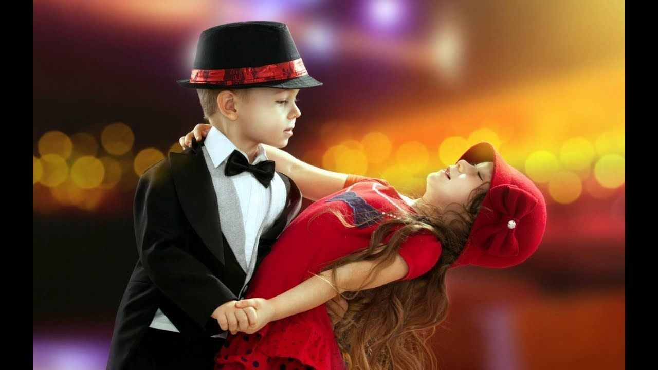 Funny Boy Dance In The Road Super Dreamz Cute Baby Wallpaper Cute Little Boys Cute Images
