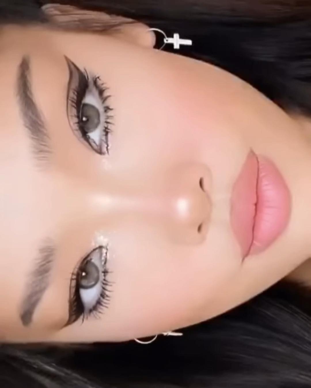 Eye makeup tutorial #makeup #makeuptutorial #beautytips #makeuplover #womensfashion #eyemakeup