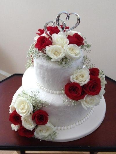 Cake Cakecentralcom Mamasong13 Roses Wedding Roses Wedding Cake By Mamasong13 On Cakecentral In 2020 Wedding Cake Roses Beautiful Wedding Cakes Cool Wedding Cakes