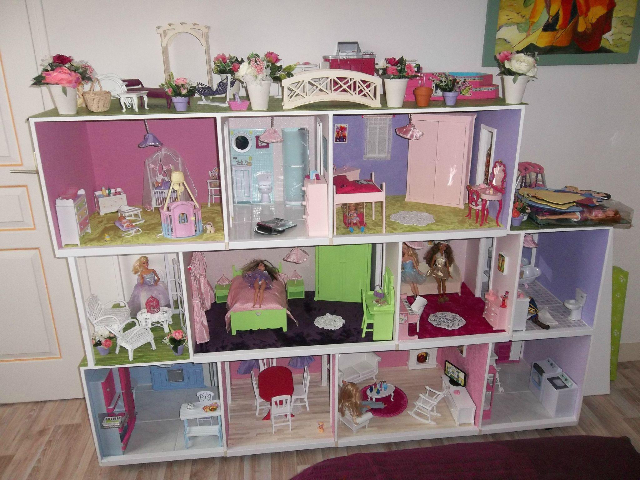 fabrication maisons de poup e barbie construction de maisons de poup e barbie maison barbie. Black Bedroom Furniture Sets. Home Design Ideas