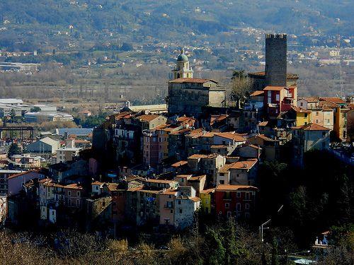 La rocca di Arcola Spezia   #TuscanyAgriturismoGiratola