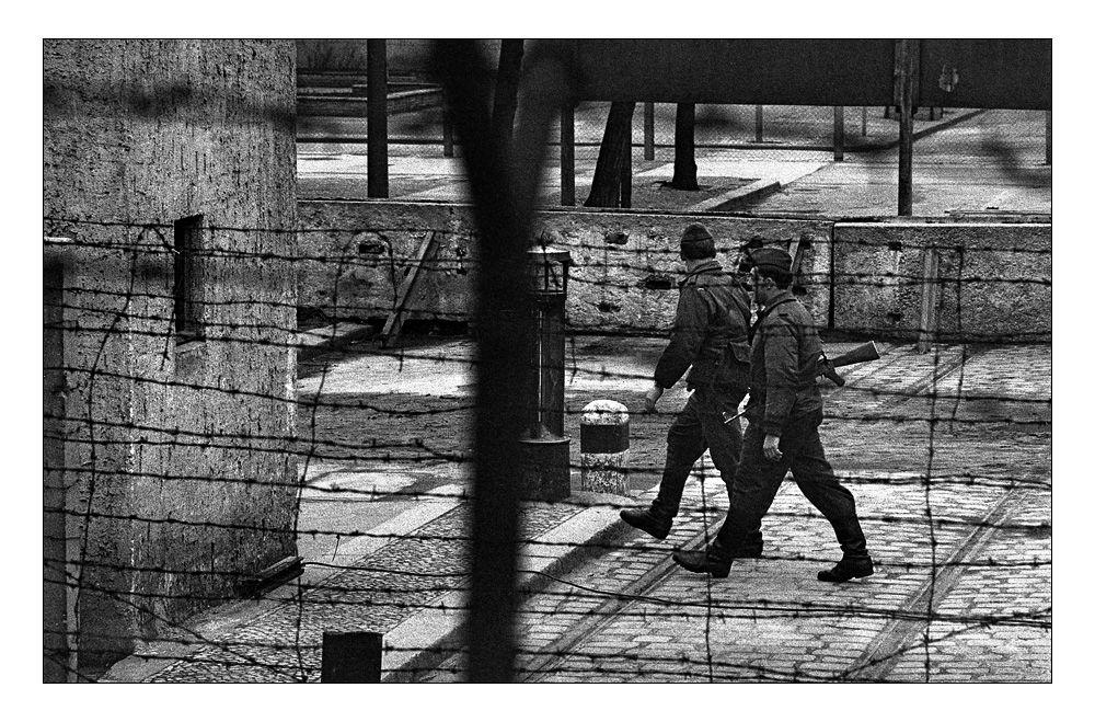 Es gibt Realitäten, denen grobes Korn und graue Düsternis angemessen ist. Berlin 1966