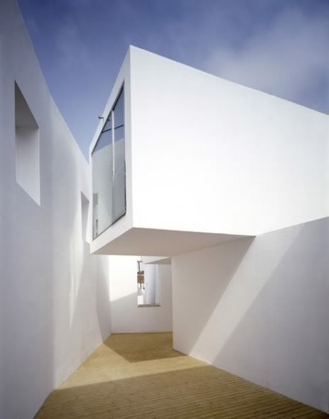 Aires Mateus Casa en Alenquer blurring boundary