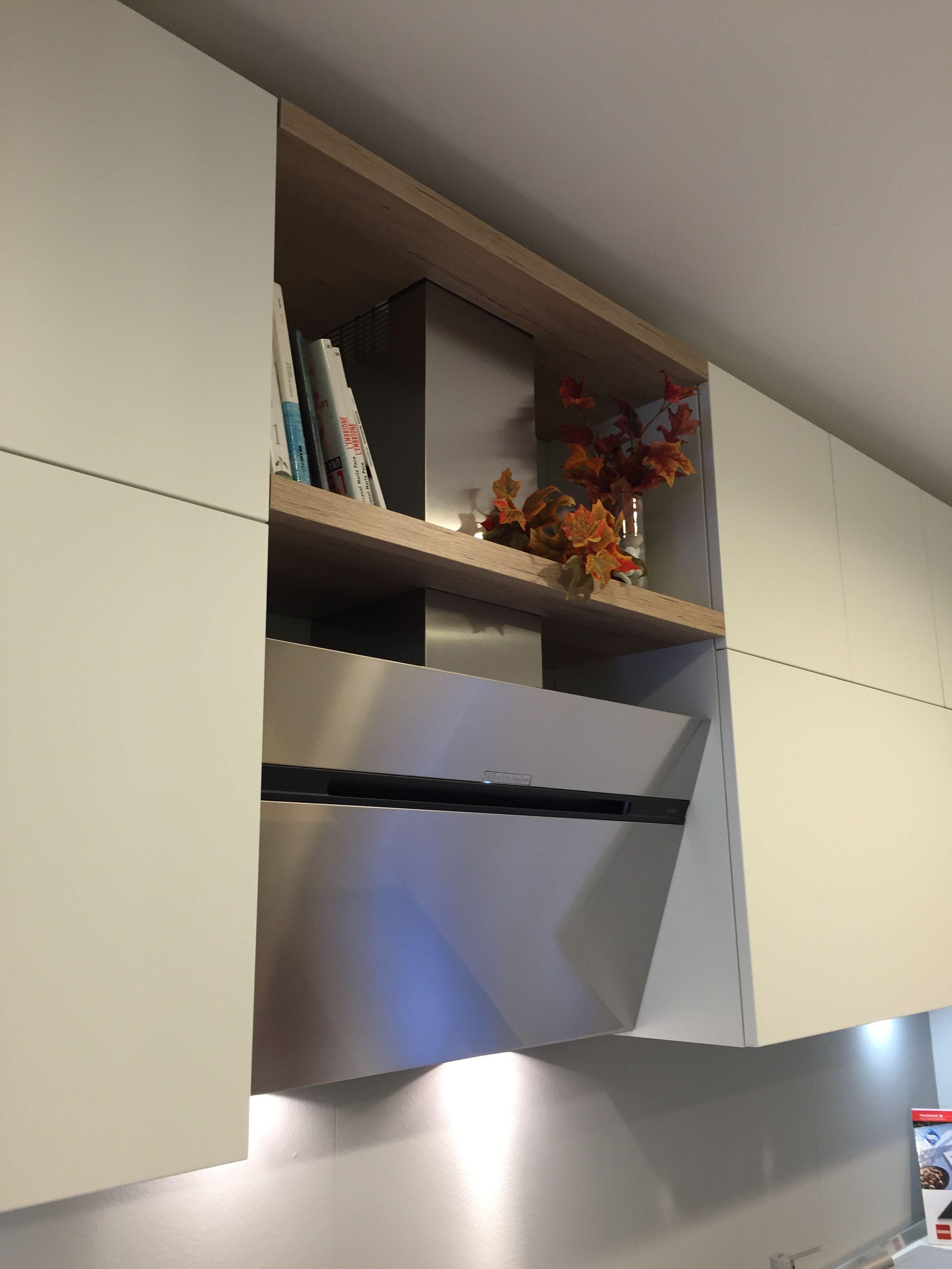 Cucina Scavolini modello Liberamente Basi decorativo colore Rovere voyage pensili laccati opaco colore Bianco