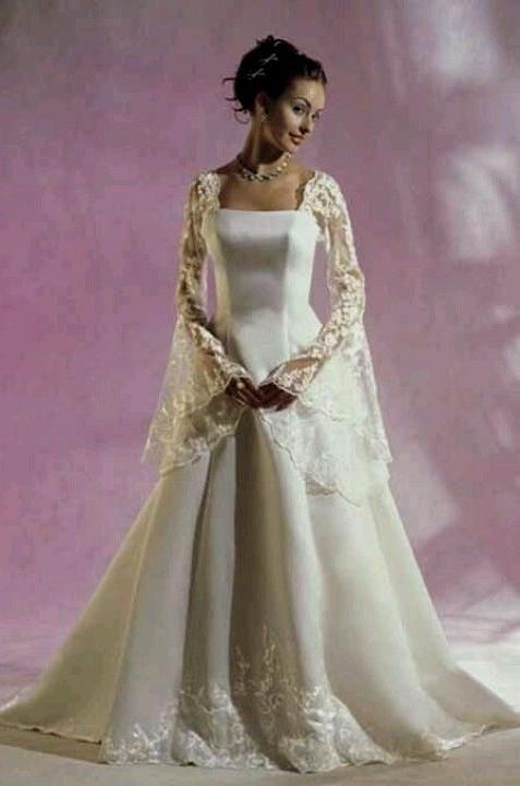 1000+ ideas about Celtic Wedding Dresses on Pinterest | Medieval ...