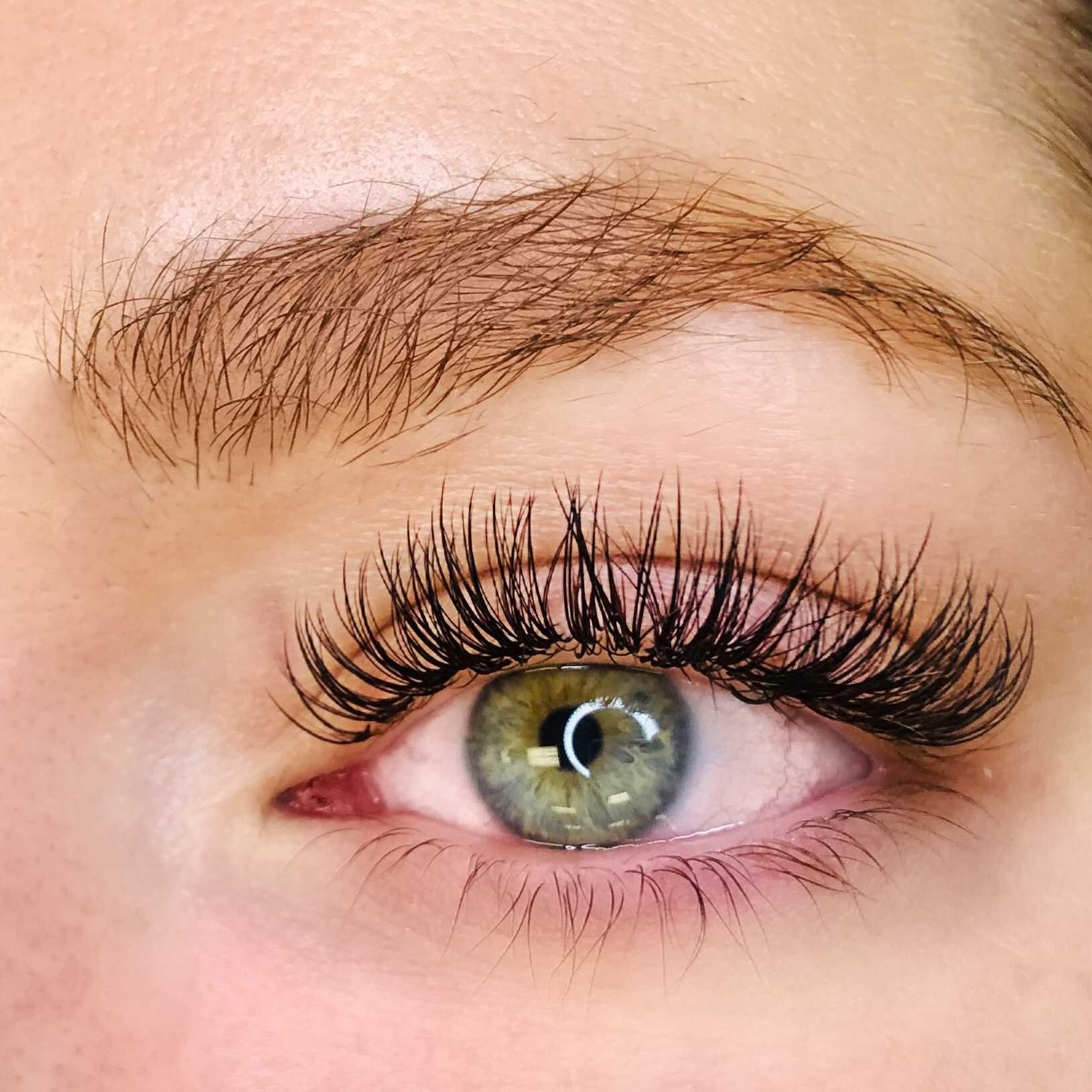 5 Benefits of Eyelash Extensions Eyelash extensions