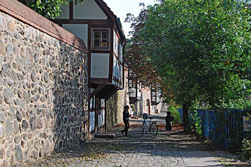 Spectacular Neubrandenburg Stadtmauer mit Wiekh user