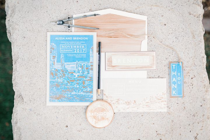 Unusual wedding theme | Blue wedding Invitations | fabmood.com #weddingtheme #bluewedding #weddingdesign