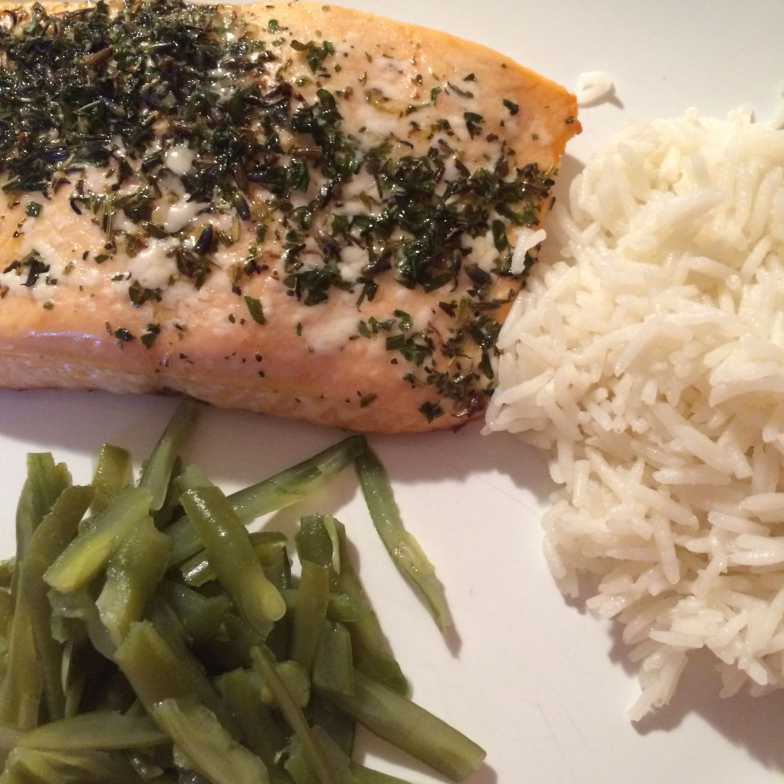 The easy haven't planned classic for me. Salmon, rice and a veggie.