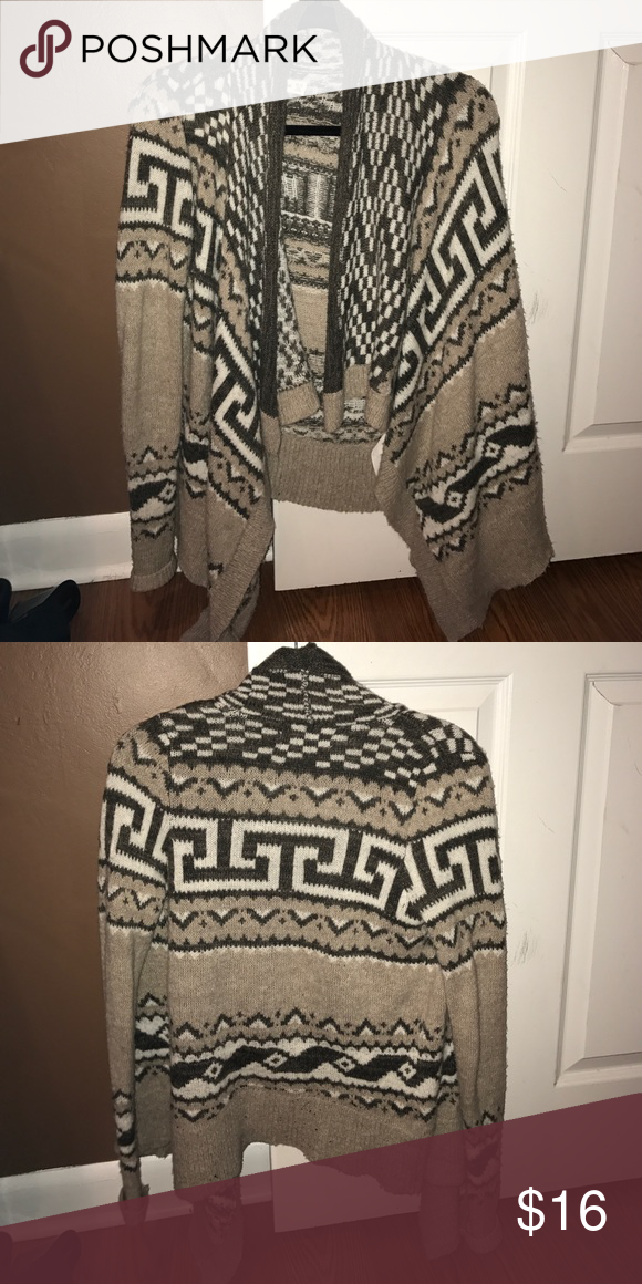 abercrombie and fitch cardigan! worn id say about 4 times still in perfect condition:) very comfy !! Abercrombie & Fitch Sweaters Cardigans