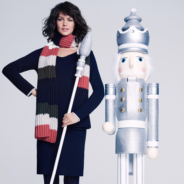 Cozy Times! You just need the right companions.😉 #commaci #winterfashion #cozyknit #knitwear #festiveseason #festivetimes #christmasparty #xmasiscoming