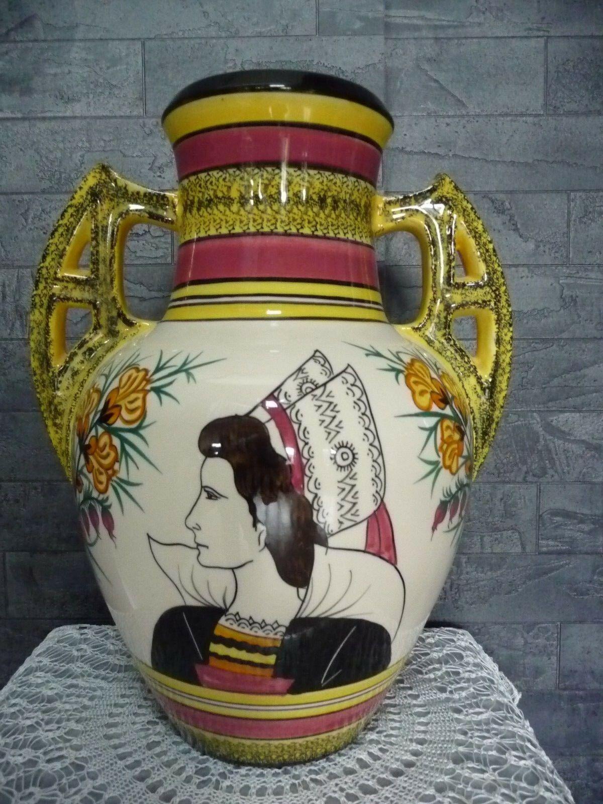 Grand Vase En Faience Henriot Quimper France La Bretonne Eur 38 00 Tres Grand Vase En Faience De Quimper Henrio Faience De Quimper Quimper Decors De Scene