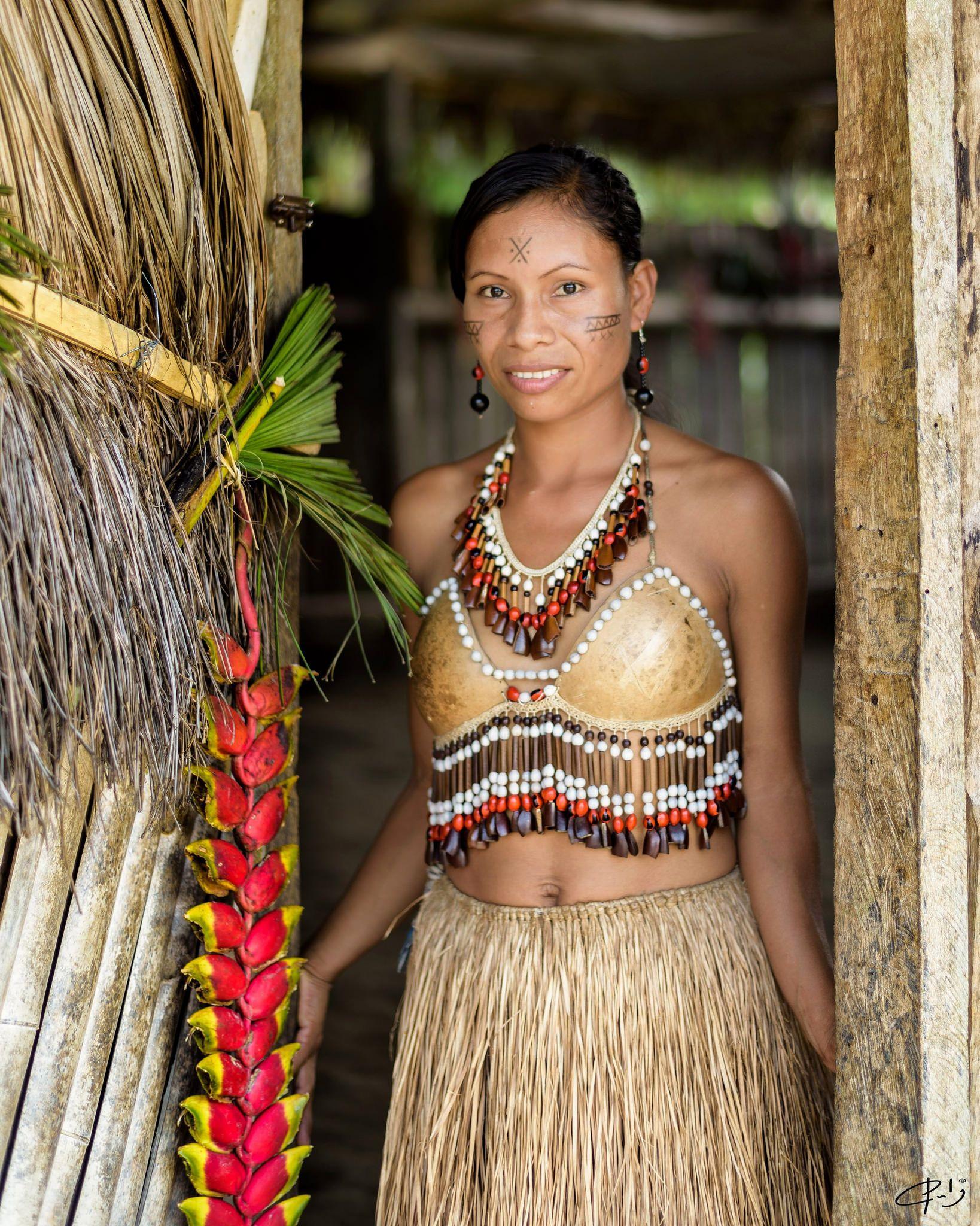 https://flic.kr/p/Ly3PxE | bella amazona  ,  durante los tres últimos años he visitado las comunidades indígenas al borde del Río Napo, en Puerto Misahualli, el turismo comunitario se ha convertido en su principal actividad económica,  y he notado un gran avance en su organización