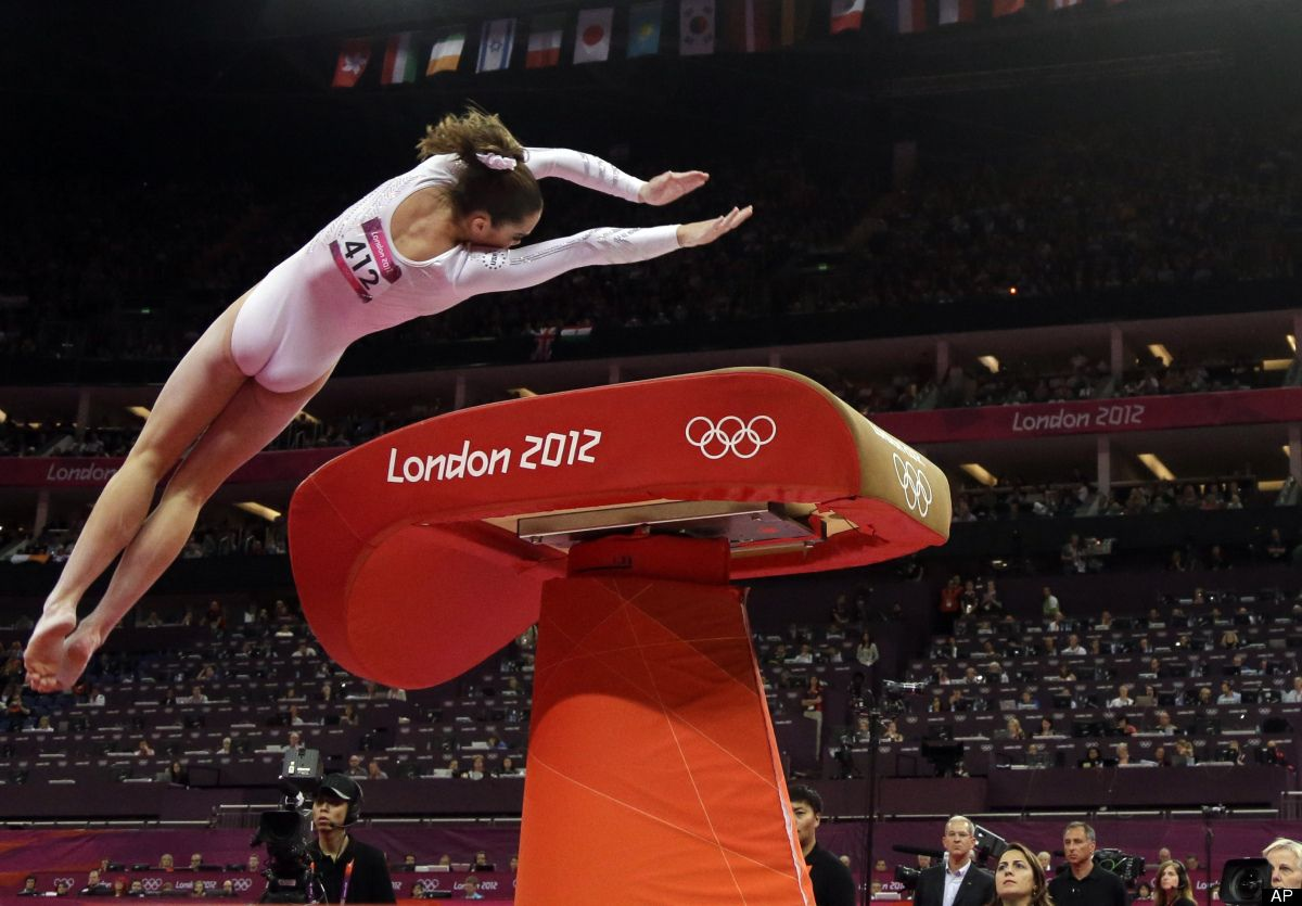 vault gymnastics gif. U.S. Gymnast McKayla Maroney Performs During The Artistic Gymnastics Women\u0027s Vault Finals At 2012 Summer Olympics, Sunday, Aug. 5, 2012, In London. Gif