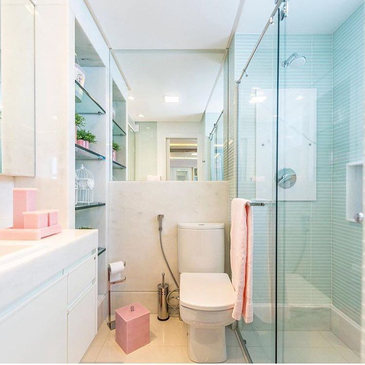 Um banheiro bem delicado ❤️ por Marília Bezerra | @decorcriative